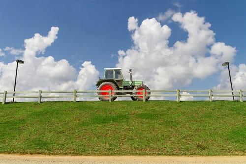 Assicurazione trattore assicurazione trattore for Attrezzi agricoli usati lazio