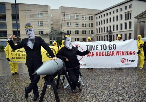 Comitato Nobel a Stati: basta nucleare