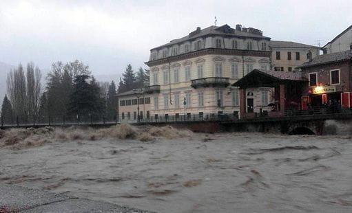 Meteo, allarme maltempo in Piemonte, crescono i fiumi