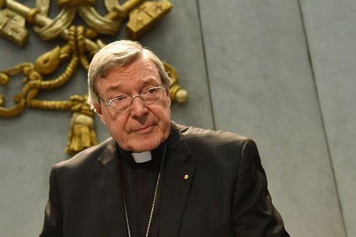 Incriminato per pedofilia, il Papa mette in aspettativa il cardinale Pell