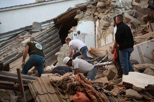 Terremoto devasta centro Italia, almeno 80 i morti
