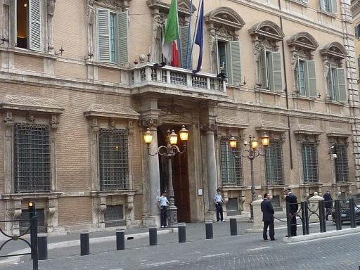 Italia: mini-scudo fiscale per ex residenti estero e frontalieri