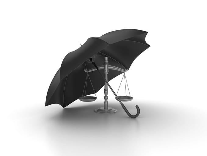 Assicurazione dell'avvocato: obbligo differito di un mese
