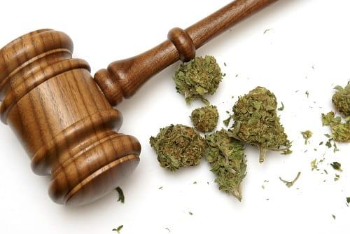 Detenzione e successiva cessione di droga: sono due distinti reati